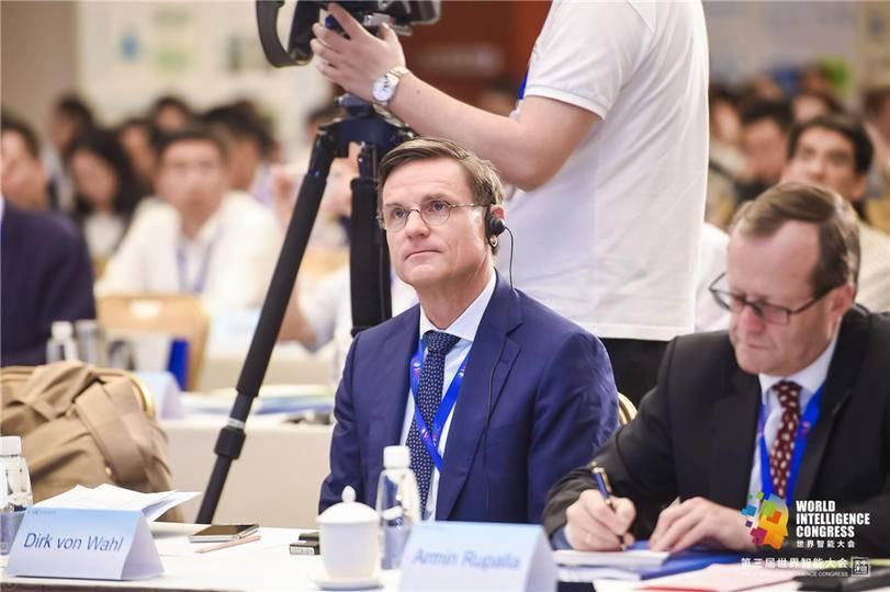 车联网(智能网联汽车)产业国际合作发展高峰论坛-现场图片